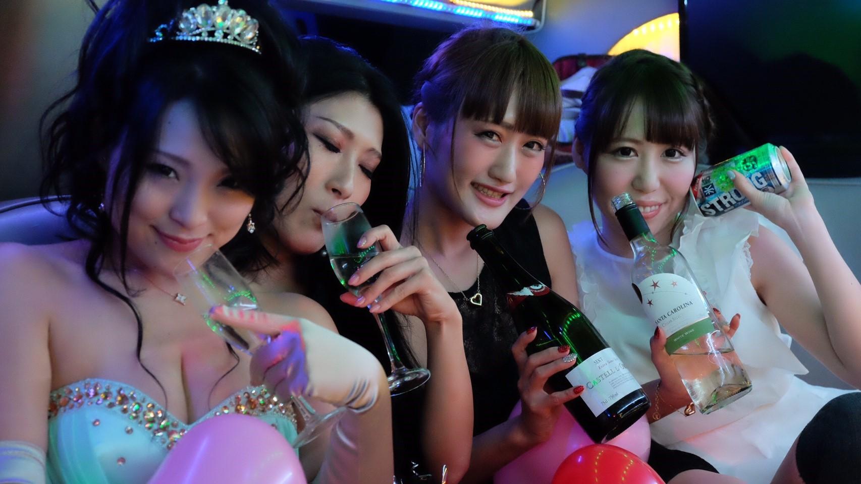 リムジンパーティー リムジン女子会 リムジンレンタル リムジン リムジン女子会 リムジン誕生日