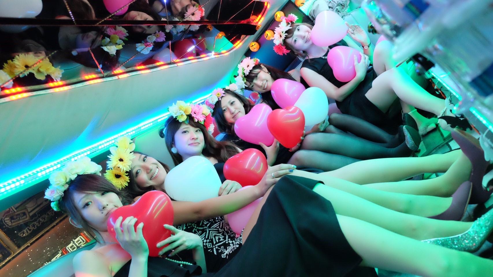 リムジンパーティー リムジン女子会 リムジンレンタル リムジン リムジン誕生日 リムジンサプライズ