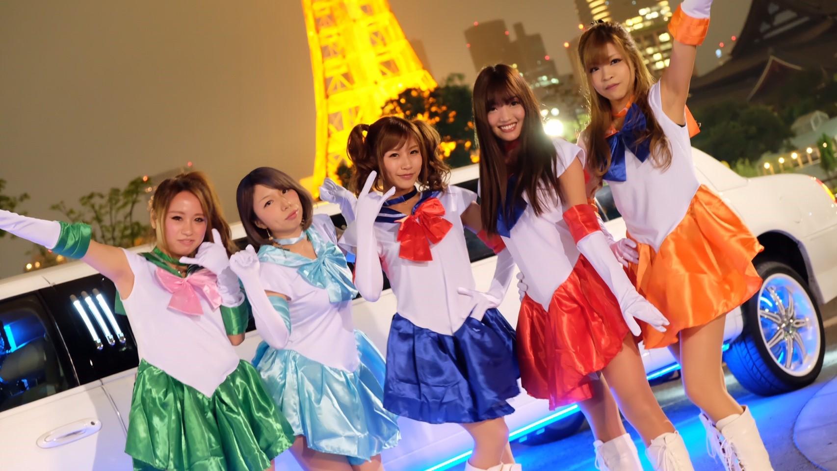 イベントで使えるリムジンは女子会・ハロウィン・イルミネーション・東京観光ツアーに最適なリムジンパーティーです。