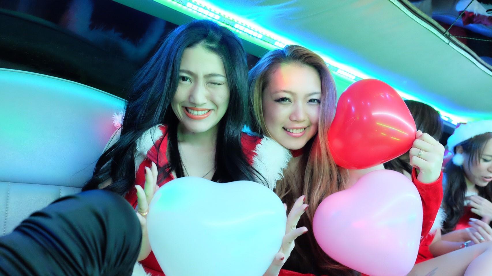 女子会 リムジンパーティー
