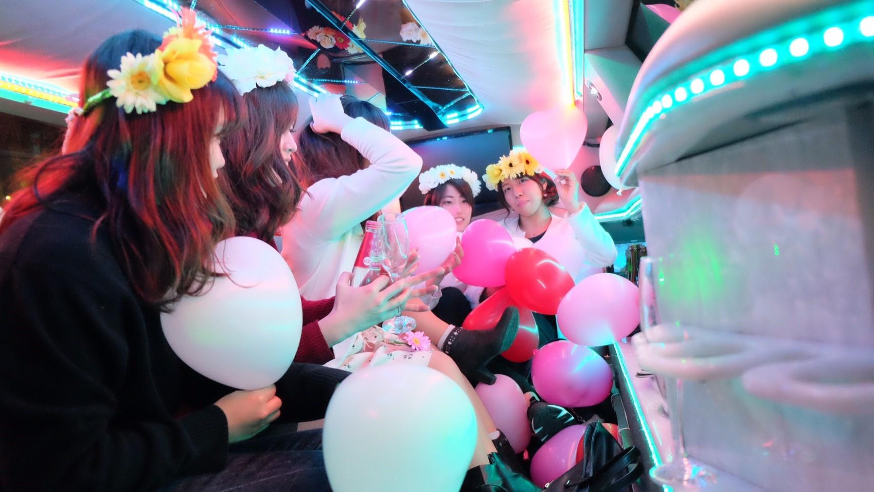 リムジン リムジンパーティー リムジン女子会 リムジンレンタル