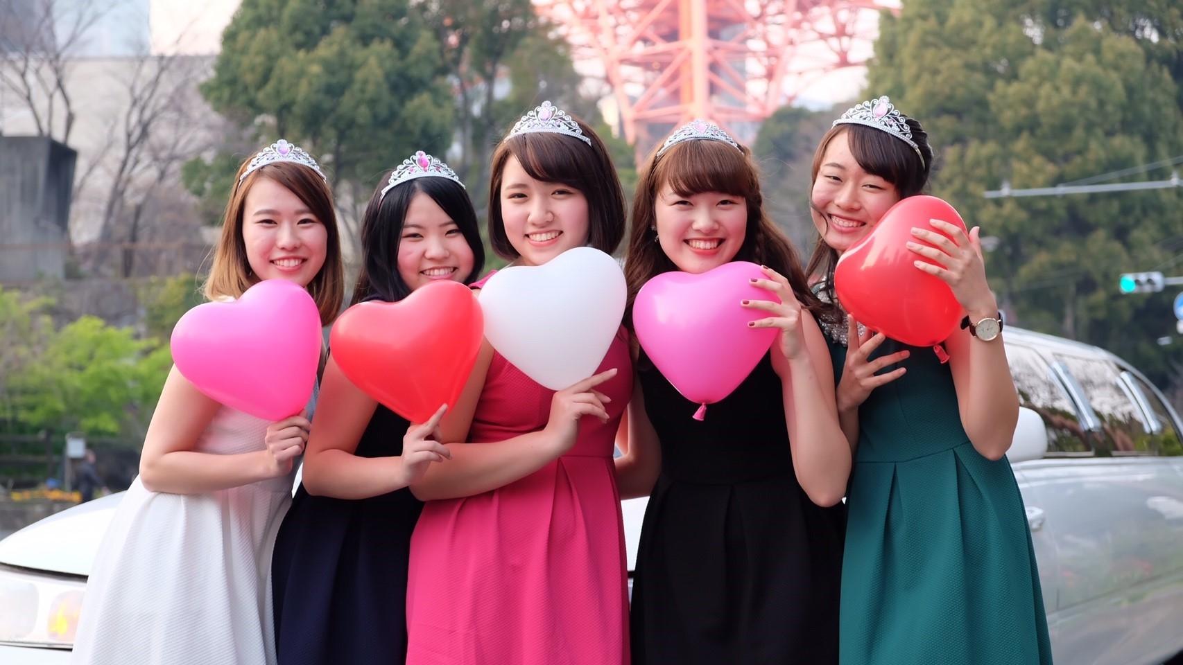 リムジンパーティー|撮影リムジン女子会が東京で格安で楽しめる