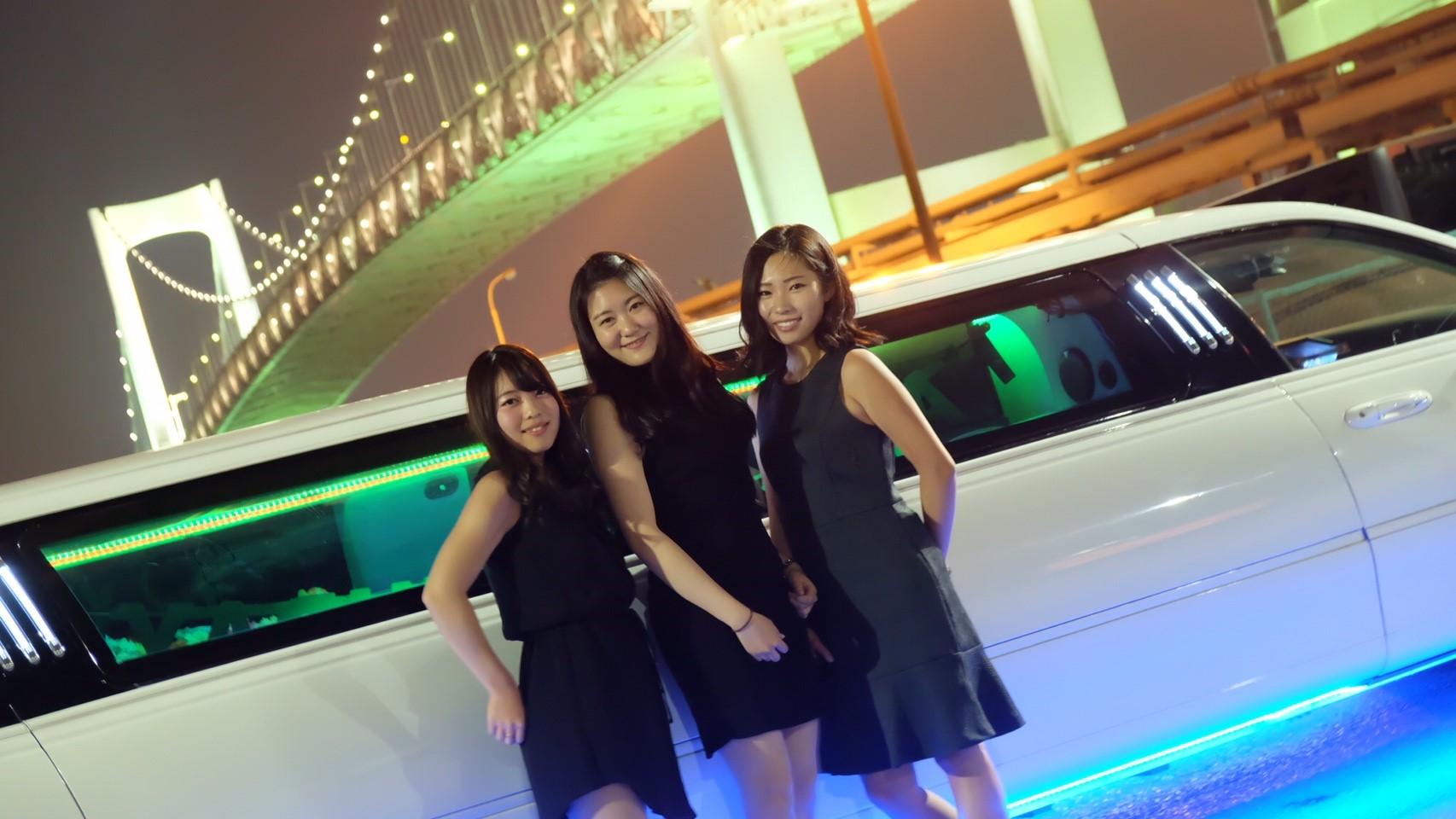可愛いドレスで東京・名古屋・大阪の格安リムジンパーティー