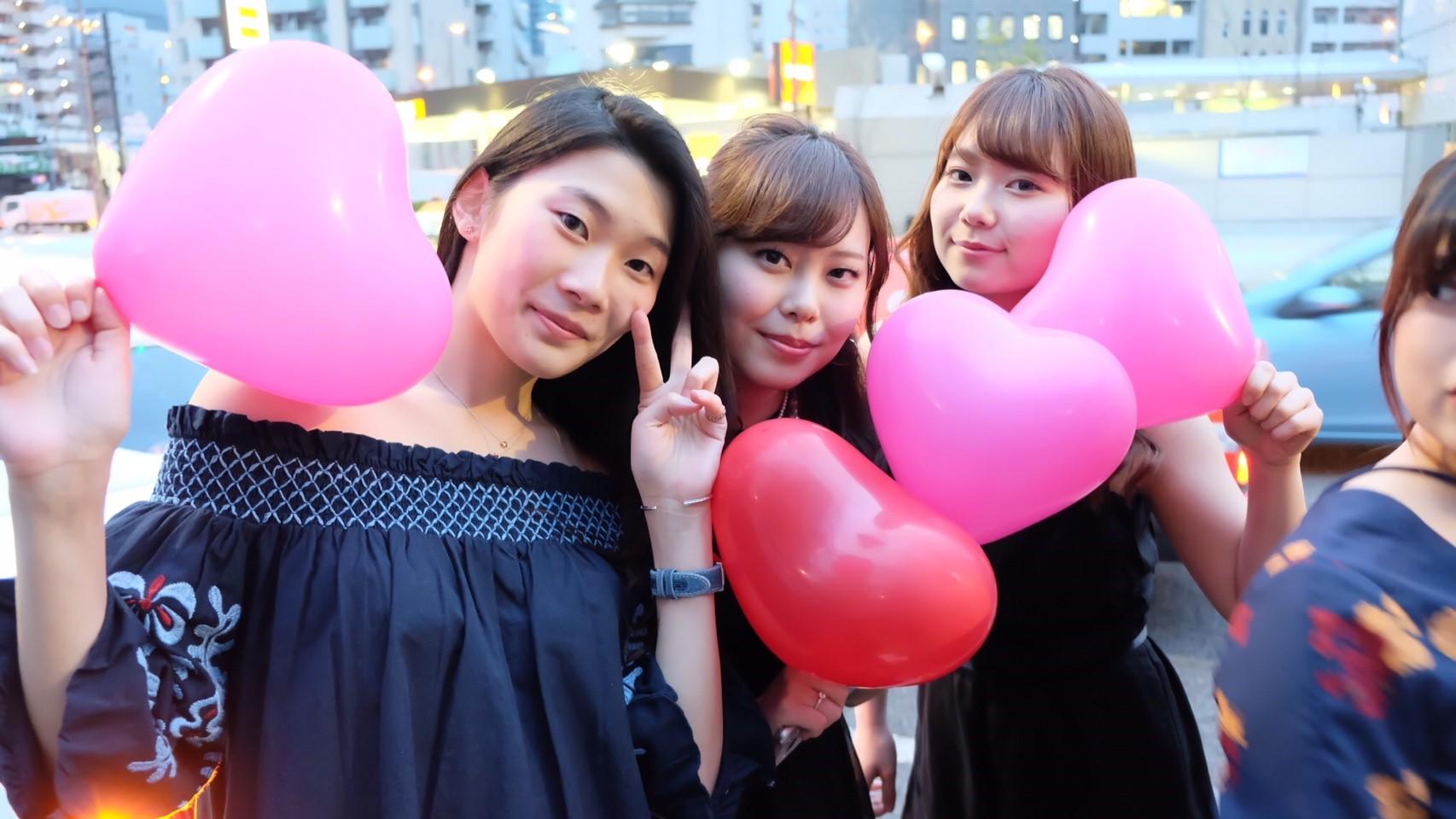 リムジン女子会で東京タワー撮影