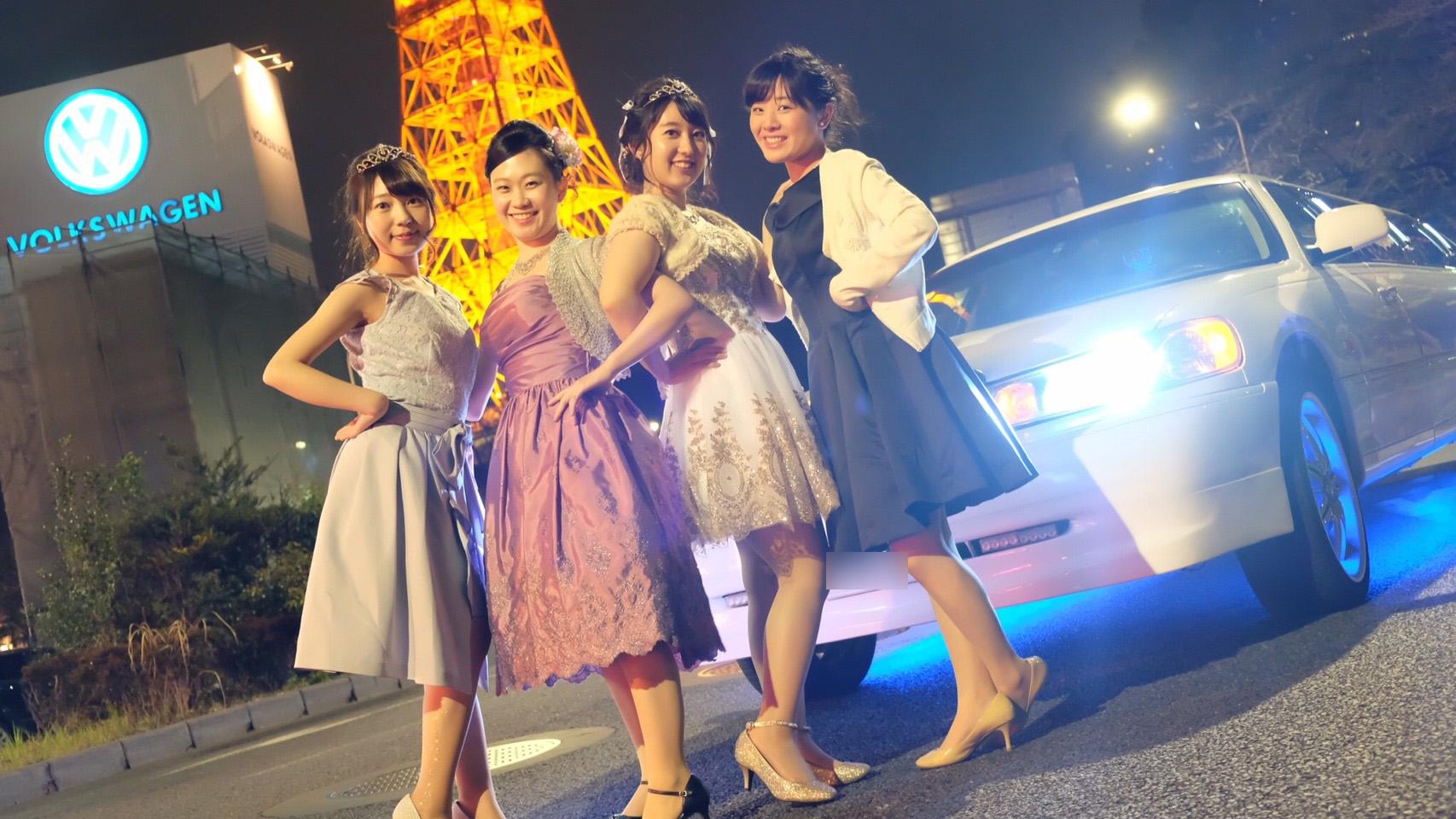東京タワー前でリムジンと一緒に撮影