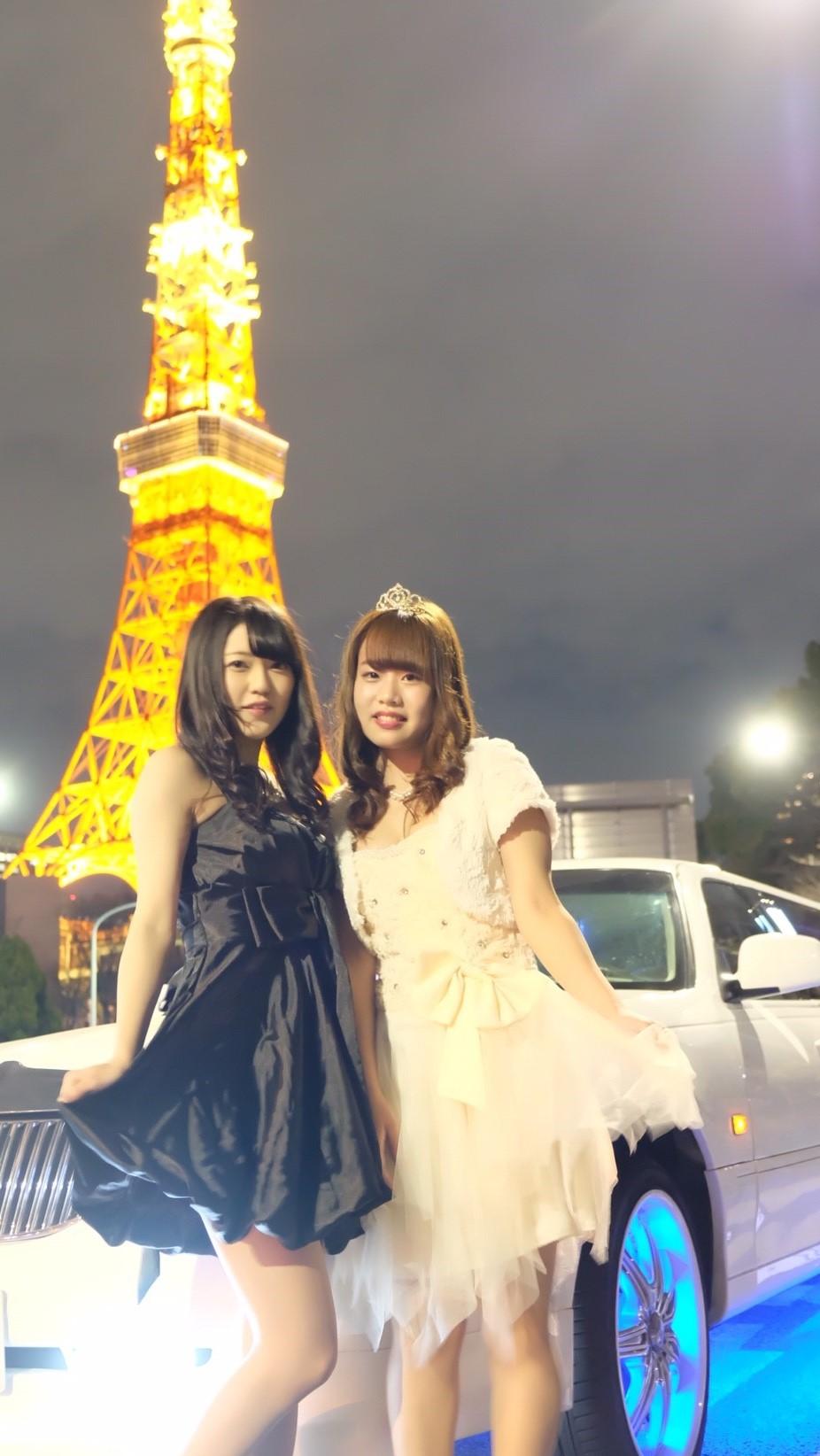 リムジンパーティーでは可愛いドレスを着てリムジンパーティーを楽しみましょう