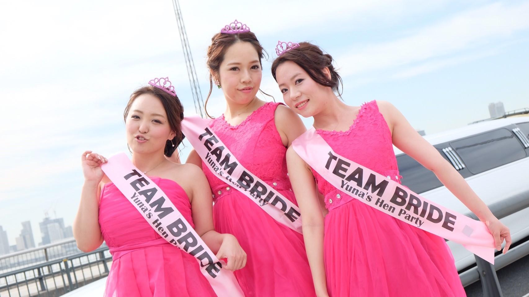 ドレスコードはピンク×リムジンパーティー