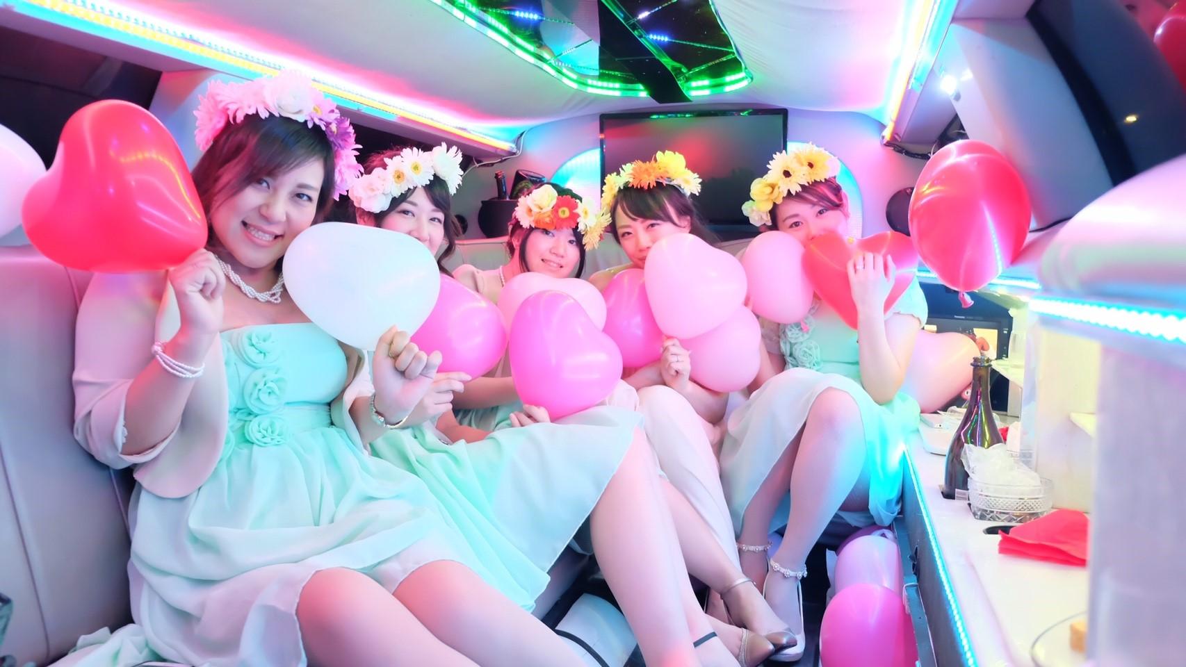 ブライダル結婚式の演出リムジン撮影