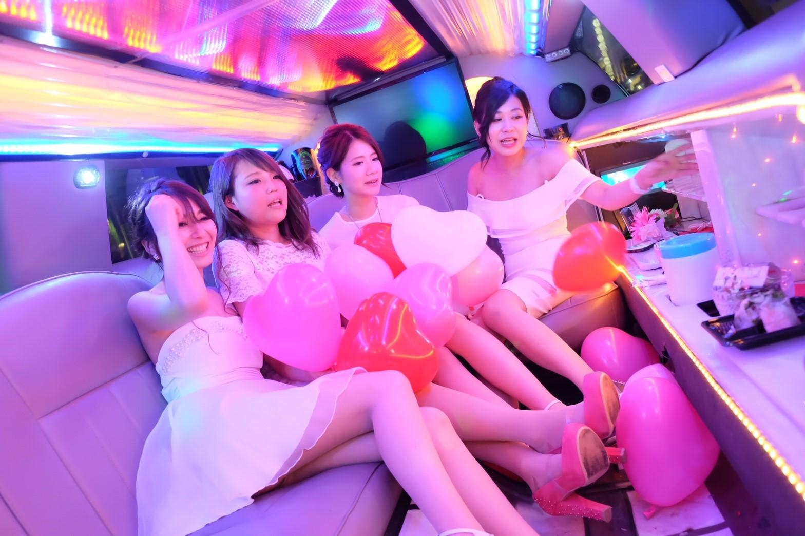 リムジン女子会の車両3